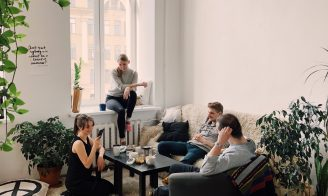 adult-apartment-carpet-1054974